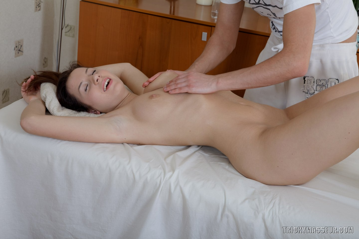 Seduced by masseur com