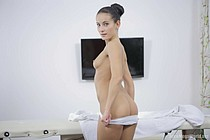 L'ADOLESCENT le BON CHARME SEXUEL - le film, la fille, la blonde, en allant